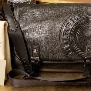 Part 2 Authentic Burberry Pebble Messenger Bag cf6f56c66